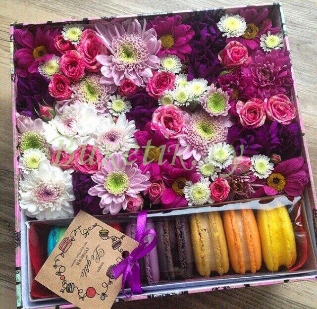 Цветочная композиция с  макаронами Амели