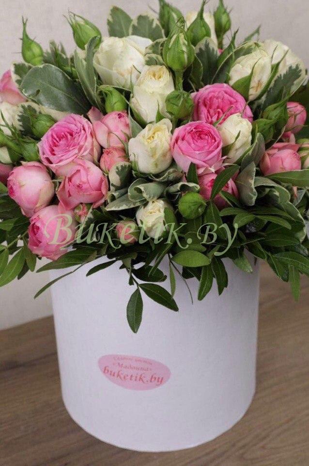 Стильная коробка из кустовых роз