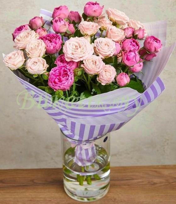 Букет свежайших кустовых роз