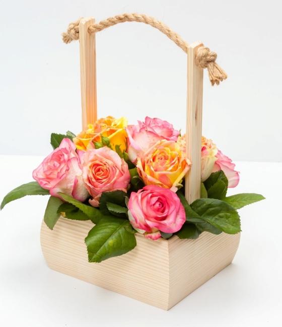 Композиция цветочная в ящике \