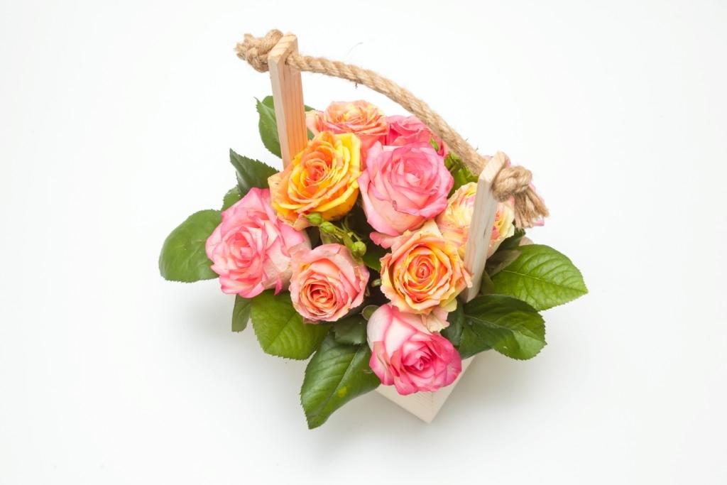 Композиция цветочная в ящике