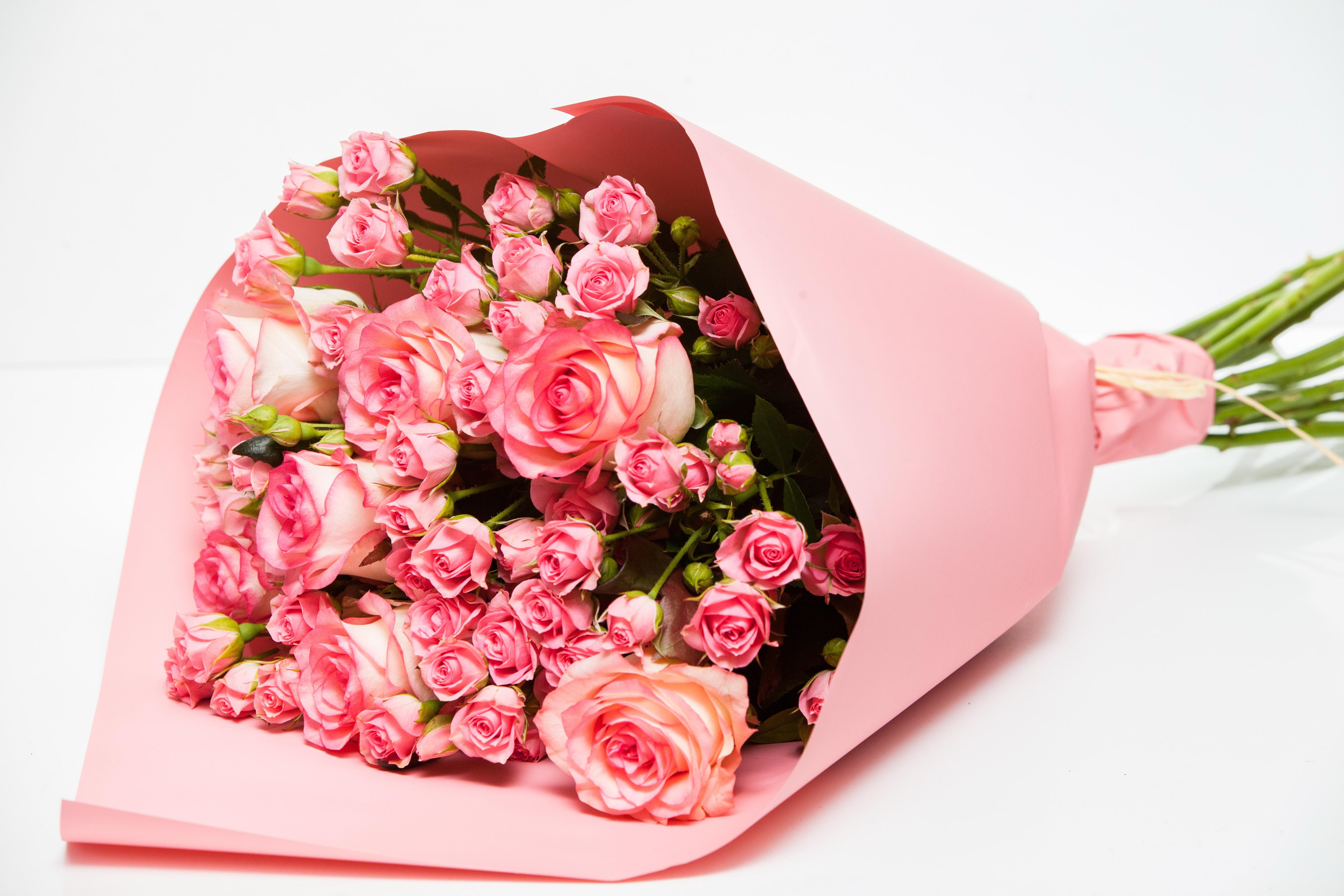 Микс розовых роз
