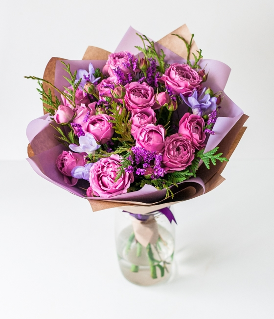 Букет из кустовых роз \
