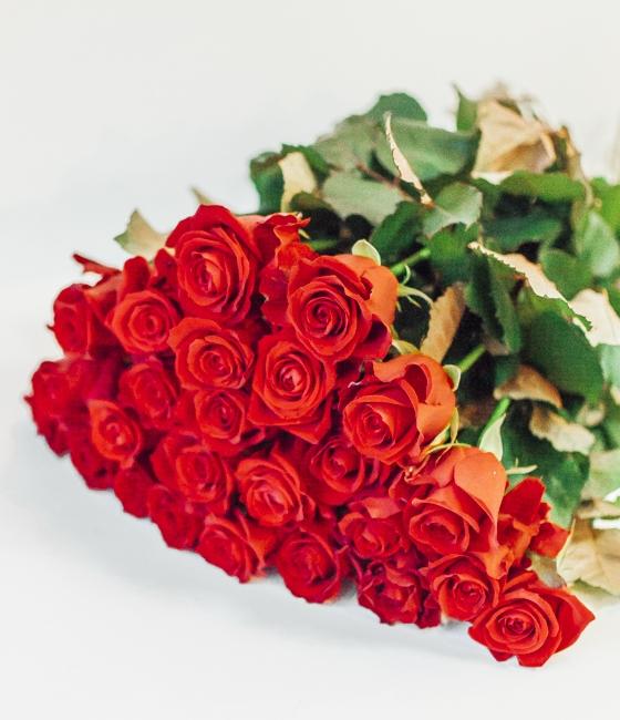 Букет из роз сорта Мирна