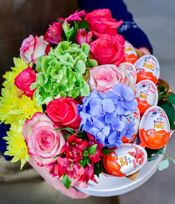 Композиция из цветов и сладостей \