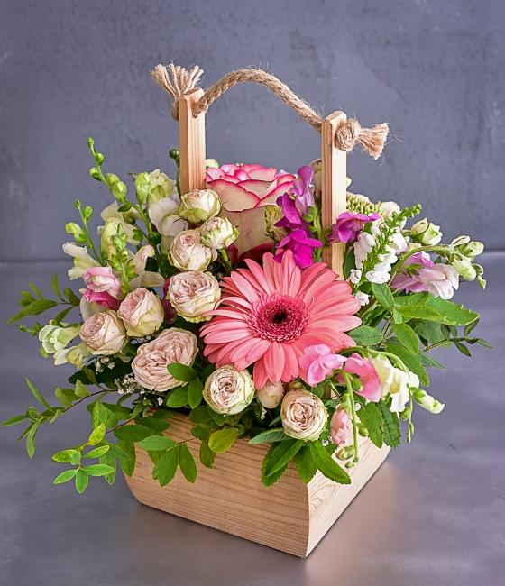 Стильная цветочная композиция \