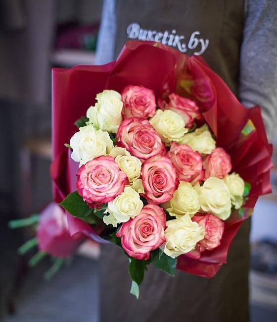 Шикарные розы 25шт \