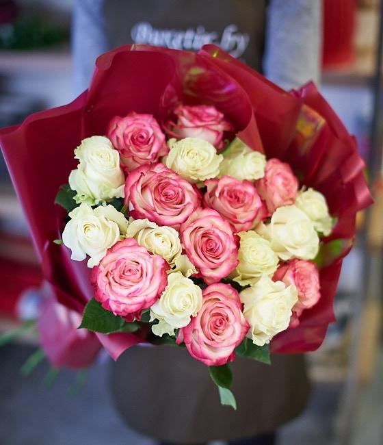 Шикарные розы 25шт