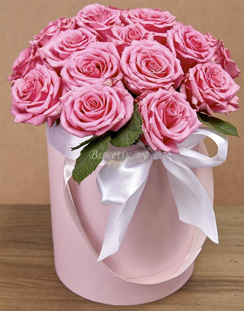 15 шикарных розовых роз в шляпной коробке \