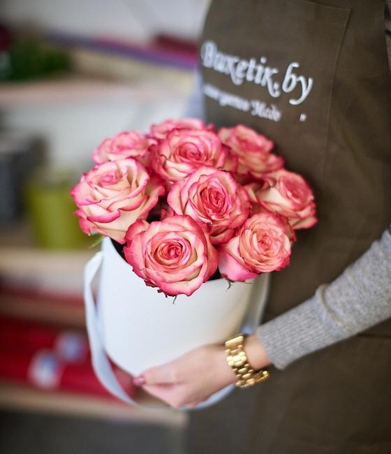 9 Роз в шляпной коробке